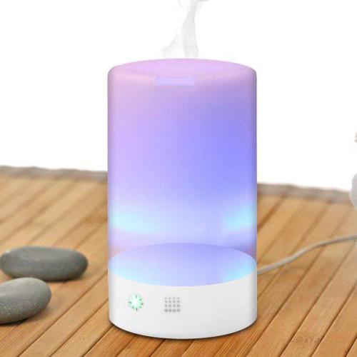 aromadiffusore in azione con ultrasuoni e luci led