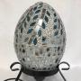 Lampada in mosaico con supporto in ferro battuto dai toni soffici